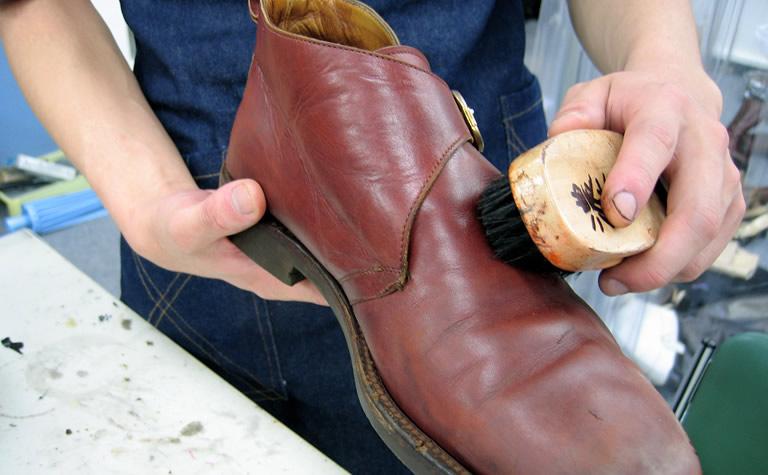 靴修理の作業工程(4)